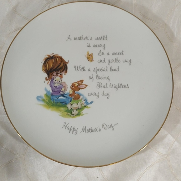 Vintage Other - Hollie Hobby Mother's Day Collectible Plate
